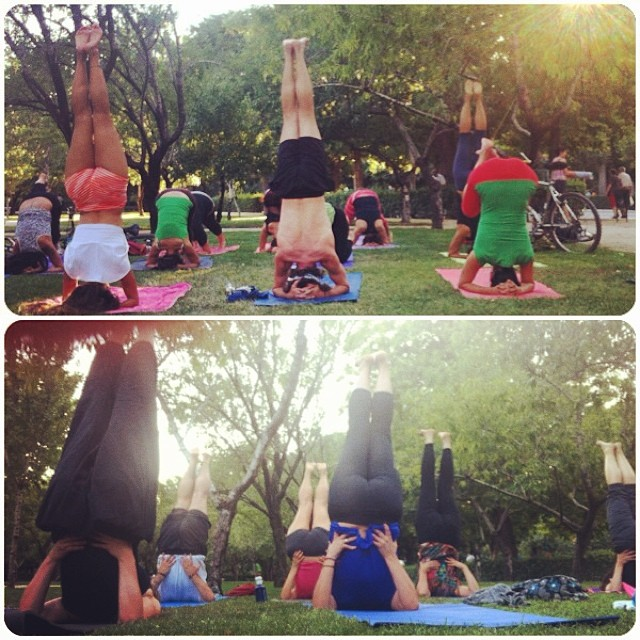Yoga en el Retiro (foto: Yoga con Cris)