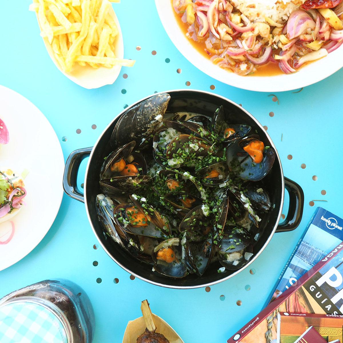 Cocina internacional - Deliveroo - Mejillones a la francesa de Mejillón