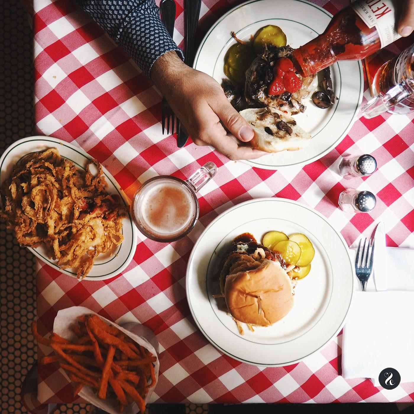Visitar PJ Clarks es imprescindible para vivir una auténtica experiencia hamburguesera newyorquina