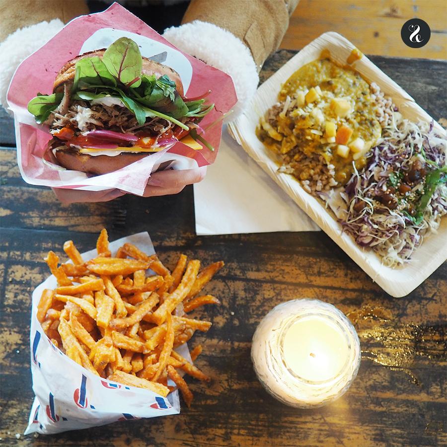 El Papiroen, el mercado 'street food' de Copenhague, es una de las opciones más asequibles y auténticas para comer en la ciudad, adorada por los locales.