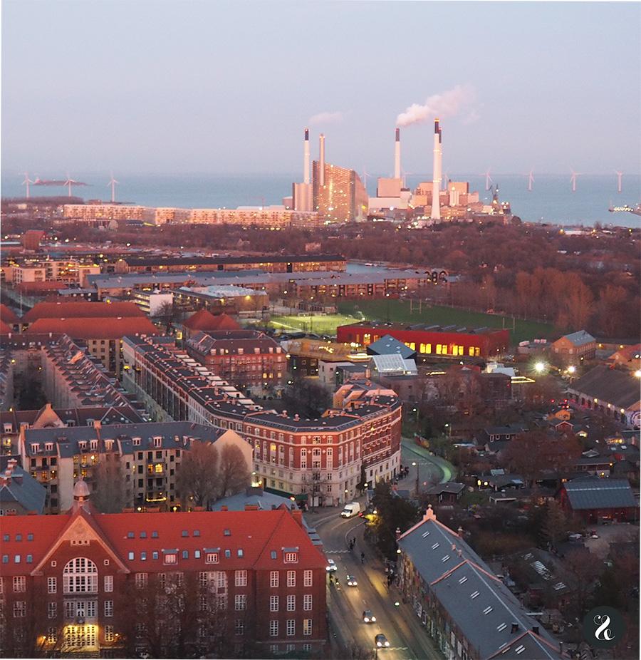 Presente y pasado se dan la mano en Copenhague: una ciudad que, más allá de su famoso Nyhavn, brilla por su cultura contemporánea y vanguardista.