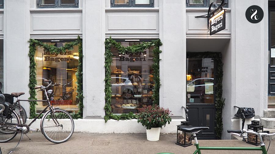 El rollo de canela de Meyers Bageri, una oastelería artesana en Norrebrö, tiene fama, ¡y es por algo!