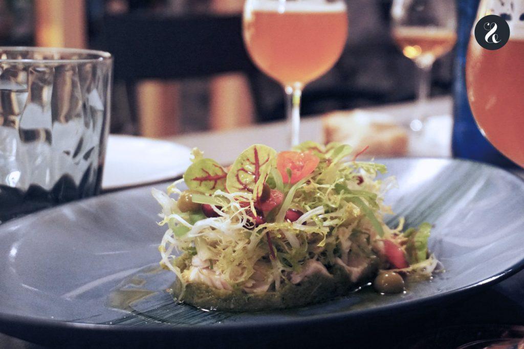 Sainete Madrid cerveza restaurante ensalada de bonito en escabeche