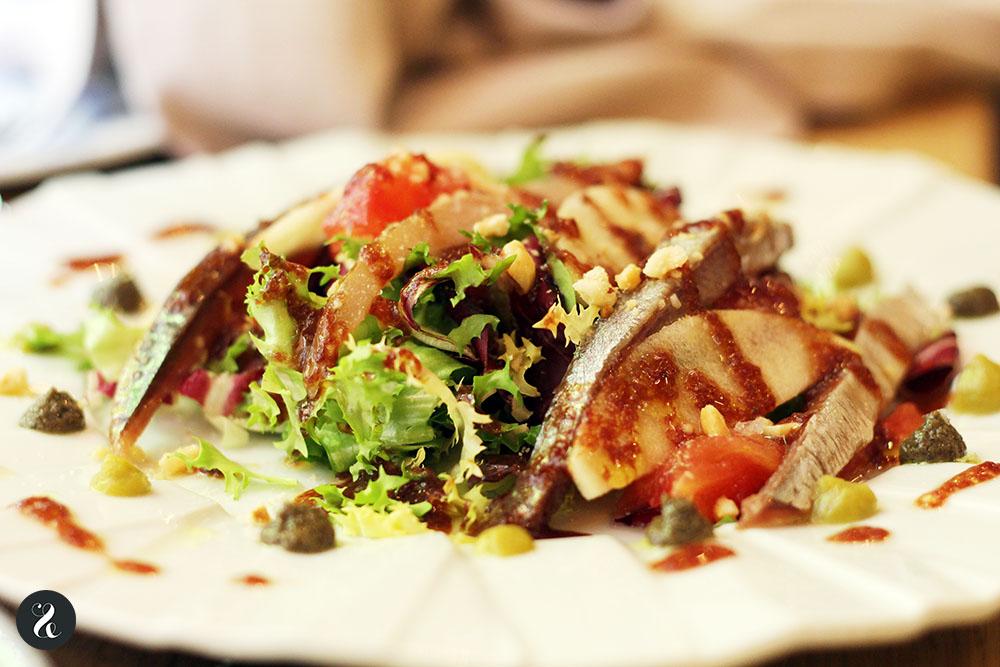 ensalada sardina ahumada Cuatrodeocho Madrid