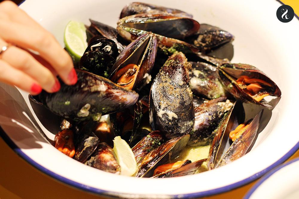 mejillones Arallo barra cocina contaminada Madrid