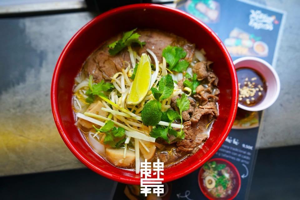 Mejores puestos comer mercados Madrid - Vietnam Express