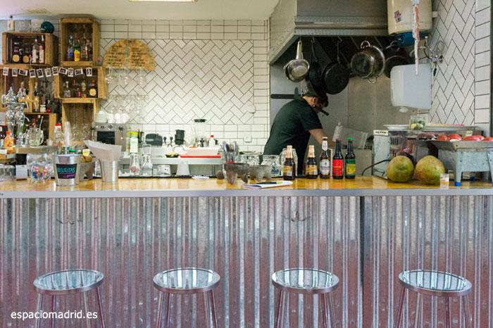 Mejores puestos comer mercados Madrid - Cuxta